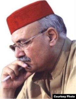 د خیبر پښتونخوا د اطلاعاتو وزیر میا افتخار حسین