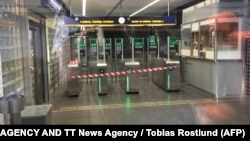 Stacion i metrosë, ilustrim.
