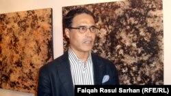 الفنان محمد قريش في معرض لاعماله في عمان