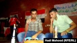 شبان عراقيون في مسرحية بالسماوة