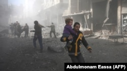 напади на силите на сириската влада врз делови на источниот град Гута, 19.02.2018.