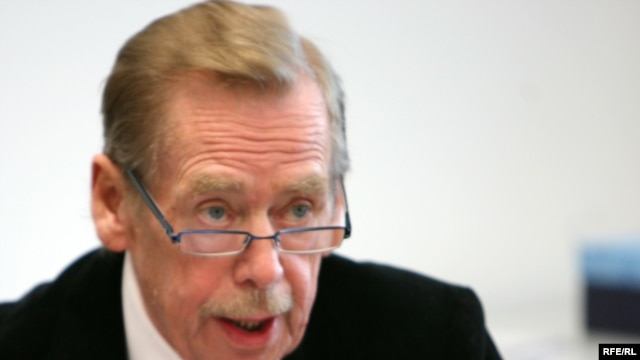 "Former Czech President Vaclav Havel advises protesters ""not to fall prey to skepticism if they do not achieve immediate results in spite of their efforts."""