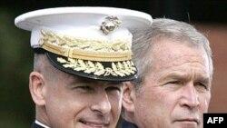 جرج بوش گزارش های منتشر شده درباره صدور دستور آمادگی برای حمله نظامی به ایران در ماه ژانویه یا فوریه را « تبلیغات تهی» خواند.