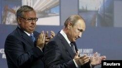 Andrei Kostin və Vladimir Putin