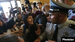 Armenia - Protesters break into the Yerevan municipality building to demand the resignation of Mayor Taron Markarian, 16 May 2018.