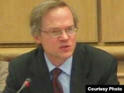 مارک فیتزپاتریک تحلیلگر موسسه بین المللی اطلاعات استراتژیک در لندن