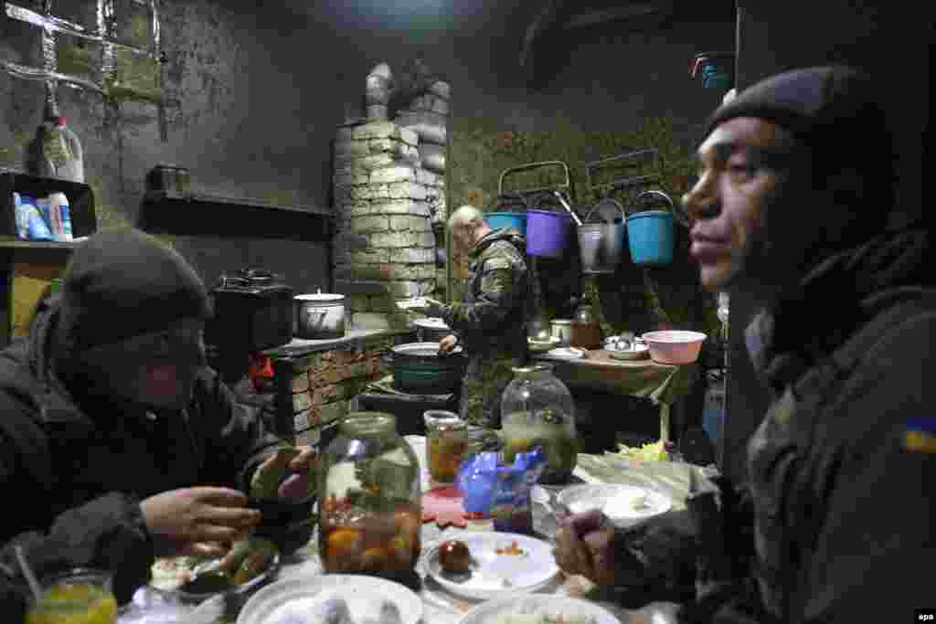 Ukrainian soldiers rest in a shelter near their position in the war-torn Donetsk region. (epa/Valeri Kvit)