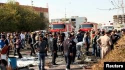 نیروهای امنیتی اقلیم کردستان در نزدیکی محل انفجار در نزديکی ساختمان استانداری اربيل