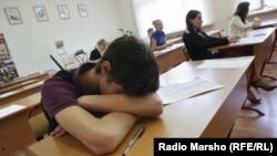 По словам чеченского писателя Мусы Бексултанова, одним из способов спасения родного языка является введение обучения на нем с младших классов