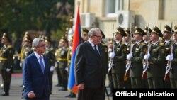 Armenia - Armenian President Serzh Sarkisian receives Fra Matthew Festing, the 79th Prince and Grand Master of the Sovereign Military Order of Malta, Yerevan, 24Oct, 2016