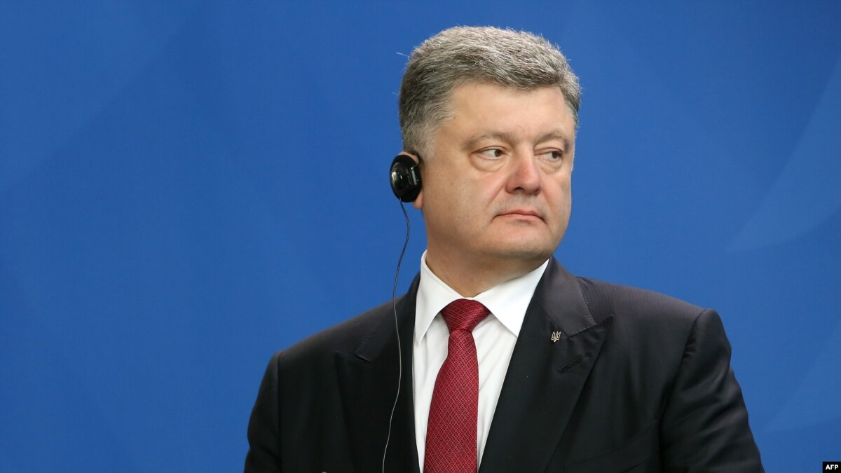 poroshenko signs legislation banning communist nazi