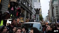 """Движение """"Захвати Уолл-стрит"""" перекинулось на многие города Соединенных Штатов"""