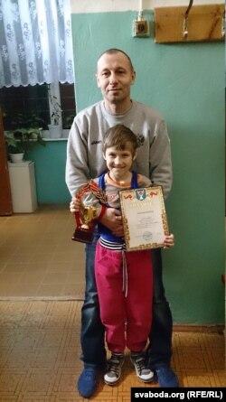 9-ти річна Наташа Горлова займається вільною боротьбою