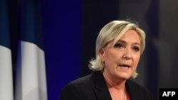"""Миллий фронт""дан Франция президенти лавозимига номзод Марин Ле Пен."