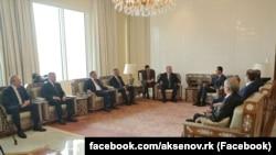 Aksenov ve Asadnıñ körüşüvi