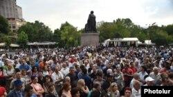 Yerevanda aksiya. Foto arxiv.