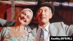 """""""Нур"""" театры артистлары башкаруында спектакльдән күренеш"""