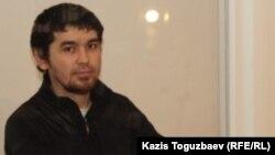 Саян Хайыров сотта отыр. Алматы, 7 қараша 2013 жыл.