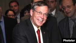 Armenia - U.S. Ambassador John Heffern attends a business forum in Yerevan, 15Jun2012.