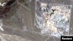 Спутниковое изображение иранского ядерного центра в Натанце