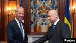 Džo Bajden sa Oleksandrom Turčinovim