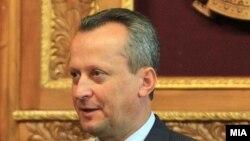 претседателот на Собранието на Македонија Трајко Вељановски