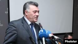 Руководитель фракции «Наследие» Рубен Акопян