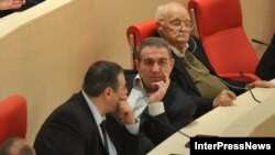 """Депутаты от """"Национального движения"""". Слева направо: Гока Габашвили, Нугзар Циклаури и Гоги Очиаури"""