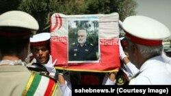 تشییع جنازه غلامرضا شیرانی، ۲۰ شهریور در اصفهان برگزار شد و فرمانده کل و فرمانده نیروی دریایی ارتش ایران در آن حاضر بودند.