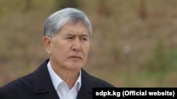 Алмазбек Атамбаев, Қырғызстанның бұрынғы президенті