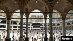 Комплекс будівель Великої мечеті в Мецці здатен вмістити кілька мільйонів людей відразу, і його продовжують розширювати