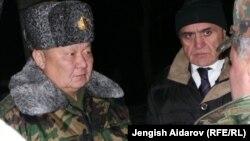 Токон Мамытов Баткендеги жолугушууда. 19-декабрь, 2013.