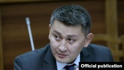 """Исхак Пирматов, ЖК депутаты (""""Республика"""" фракциясы)"""