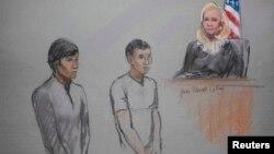 Казахстанские студенты Диас Кадырбаев и Азамат Тажаяков в зале судебных заседаний.