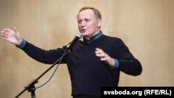 Уладзімер Някляеў