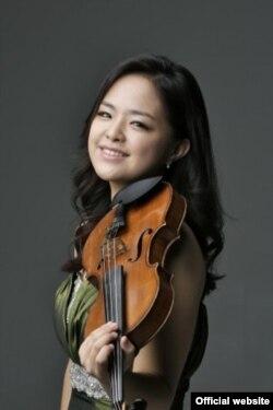 Gyehee Kim, cîștigătoare a premiului întîi la vioară