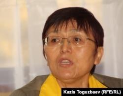 «Психоанализ» орталығыны жетекшісі Анна Мергенбайқызы. Алматы, 21 қазан 2011 жыл.