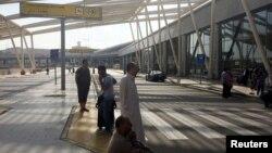 В аэропорту Каира. 19 мая 2016 года.