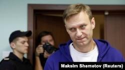 Алексей Навальный в суде (архивное фото)