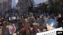 Müxalifət tərəfdarları ilə polis arasında qarşıdurma, Bakı, 26 noyabr, 2005
