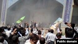 صحنه ای از حمله به مسجد قبا