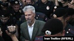 Задержание Эдуарда Лимонова на одной из акций