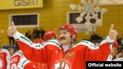 Даже если со временем Александр Лукашенко все-таки покинет президентское кресло, в его семье, как в хорошей хоккейной команде, может найтись подходящий запасной игрок