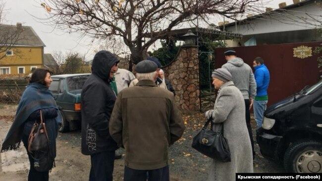 «Осмотр» в доме крымскотатарского активиста, 21 ноября 2017 года