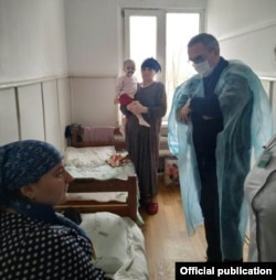 Дагестанский министр здравоохранения Джамалудин Гаджиибрагимов в кизлярской больнице