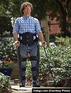 Indego system – роботический костюм производства США, позволяющий восстанавливаться после травмы или инсульта и возвращаться к ходьбе
