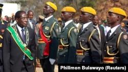 21 листопада Роберт Мугабе погодився піти у відставку з посади президента Зімбабве після 37 років правління, фото архівне