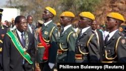 Президент Зимбабве Роберт Мугабе на праздновании Дня героев, 13 августа 2017 года.