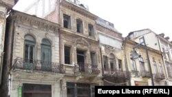 Case la București (2010)
