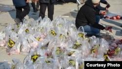 Түлөөдөн кийин эт колунда жокторго таратылып берилген. Бишкек. 8-март, 2020-жыл.
